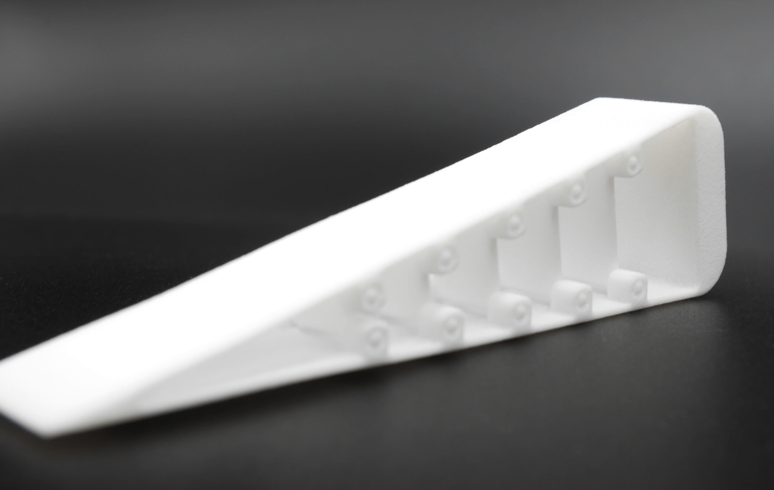 Flexible and durable Gripper with moving parts made from PA12 using Selective Lasersintering, SLS